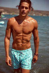 Distributore beachwear uomo e bambino John Frank